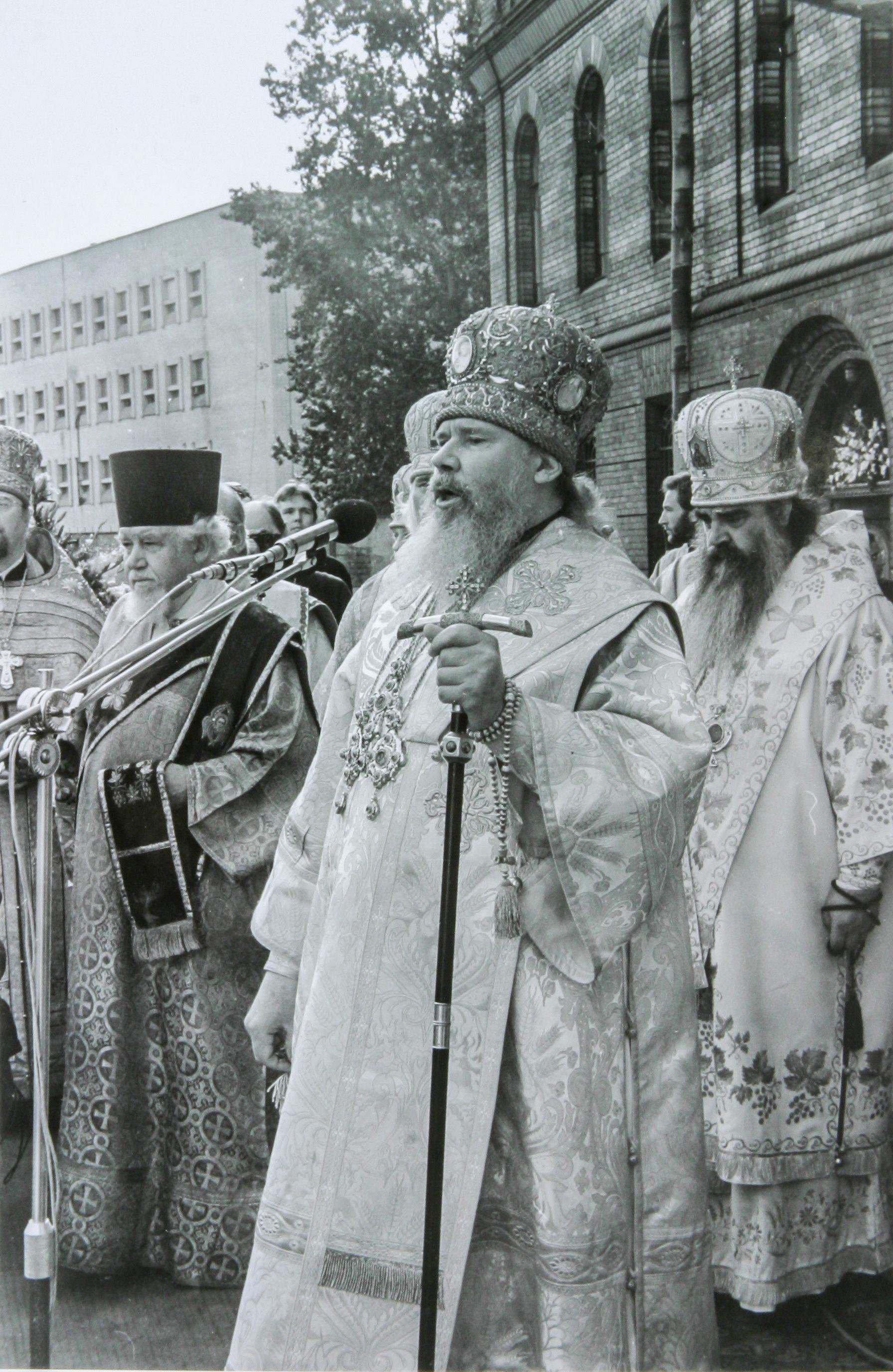 Торжества прославления святого праведного Иоанна Кронштадтского проходили под открытым небом.